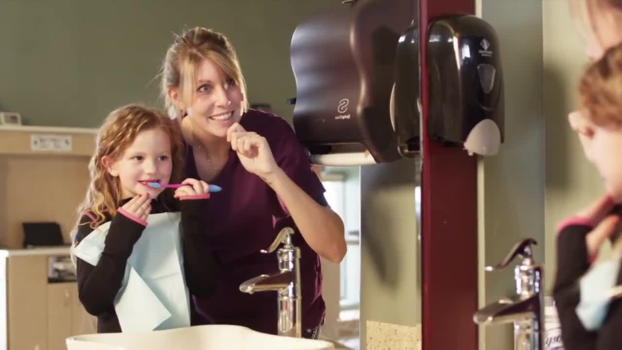 The staff at Kalmor Dentalbelieves that early dental care can promote a lifetime of healthy smiles for your child.
