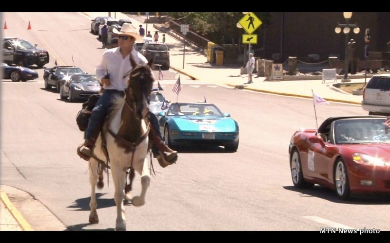 Last chance stampede parade entertains crowds in downtown for Helena motors helena montana